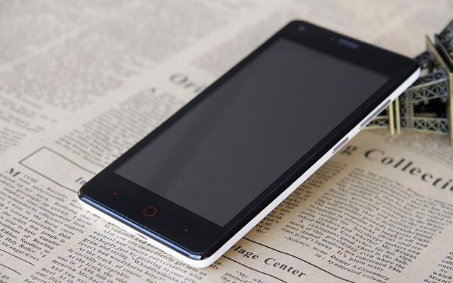 Телефон Elephone G1 на фото